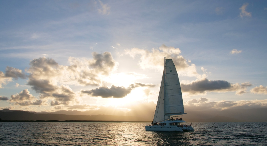 Sailaway sunset cruise, port douglas